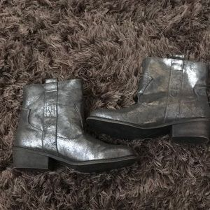 Metallic western boots by Charles David size 8